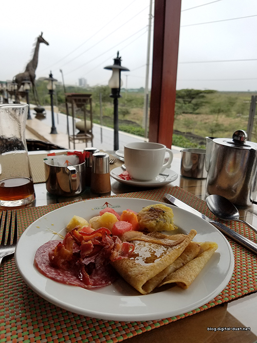 Breakfast while overlooking the Nairobi National Game Park.